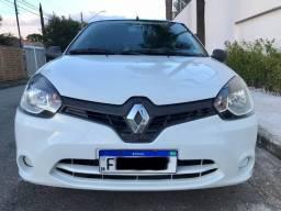 Renault Clio 2014 Novinho + Pneus Novos
