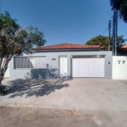Casa a venda no centro de Araguari