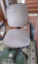 Título do anúncio: Cadeira tipo presidente