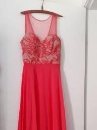 Vestido bordado coral