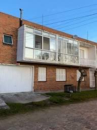 Apartamento no Cassino a meia quadra da avenida e quatro da praia.
