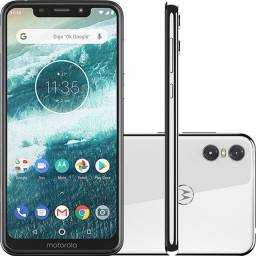 Motorola One 64GB Branco.