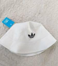 Chapéu Bucket Adidas