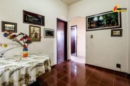 Casa Residencial à venda, 3 quartos, 3 vagas, Centro - Divinópolis/MG