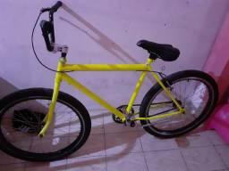 Bike nova 300$ ,só ligar *33