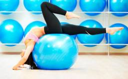 Bola Suiça 55 Cm C  Bomba Hidrolight Yoga Pilates Fitness f0f78de8ccc05