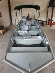 Canoa 6 metros com motor 40 4t - 2016