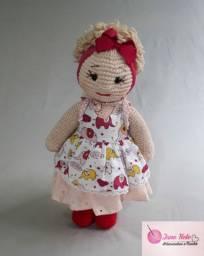 Boneca em amigurume artesanal