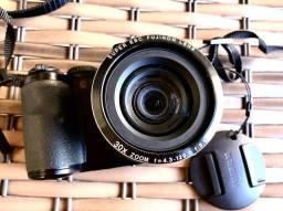 Câmera FUJIFILM semi profissional