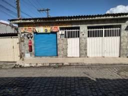 Vende-se Casa com Ponto Comercial + 4 Casas Jacintinho
