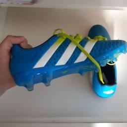 Chuteira Adidas 41-42