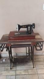 Máquina de costura Parcelo no cartão
