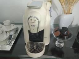 Vendo Cafeteira Elétrica  Delta de Capsulas