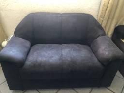 Jogo de sofá 2 e 3 lugares- o maior precisa ser reformado