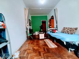 Exclusivo *Junto ao Largo do Machado. Sala ampla,Quarto+Depend revertida e vaga