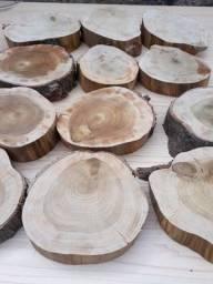 Bolacha de madeira média