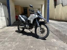 Título do anúncio: Honda XRE 300cc branco pérola