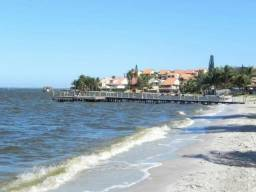 Título do anúncio: Casa de praia RJ troco por imóvel no DF e Carro, 400 metros da praia local