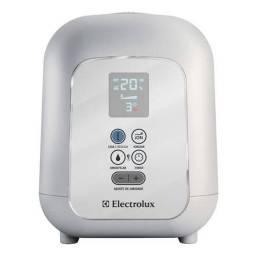 Umidificador de ar Electrolux  bivolt apenas 1 ano de uso,funcionando tudo perfeitamente