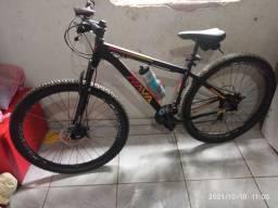 Título do anúncio: Bicicleta aro 29 com nota fiscal pouco tempo de uso semi-nova garantia de revisão