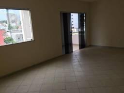 Excelente apartamento amplo no bairro Jardim Vitória. Financia