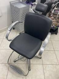 Vendo cadeira hidráulica Ferrante com apoio de cabeça