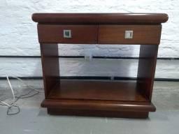 Mesa de apoio com duas gavetas - Usado