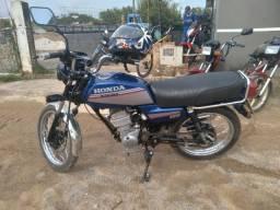 Vendo cg 87 com motor de 150