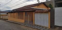 Vende casa no centro de Pouso Alto MG.