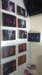 Diários do vampiro e outros Livros de ficção romance adolescente lidos apenas 1 vez