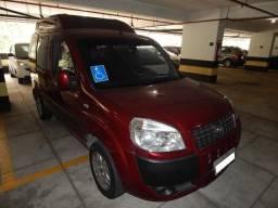 Fiat Doblò adaptada para transporte confortável de cadeirantes - 2010