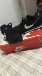 Tênis Nike novinho