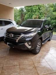 Hilux sw4 srx diesel 5 lugares - 2017