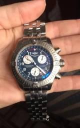 b2dd5e08f98 Relógio Breitling modelo Chrono Avenger M1