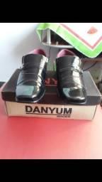 Sapato novo na caixa número 40