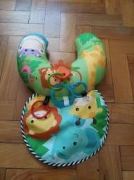 Mini tapete com mordedores para bebês brinquedos usado bom estado