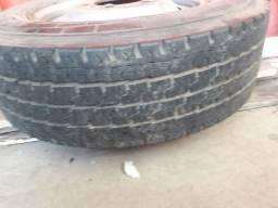 Vende 1 roda de iveco com pneu,mais uma roda