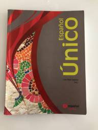 Livro Español Único - Lívia Rádis Baptista
