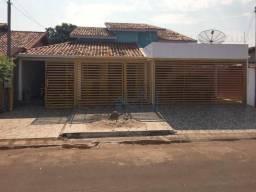 Casa com 04 Quartos no Centro do Pontal do Araguaia-MT
