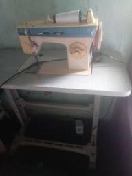 Vendo uma maquina de costura por 500 reais ou pego um celular