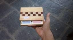Caixa para baralho com baralho em madeira