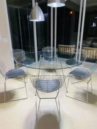Mesa de vidro e 6 cadeiras - semi novas
