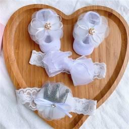Título do anúncio: 3 Pçs / Set Lace Flor Bebê Menina Headband Socks Set Coroa Arcos