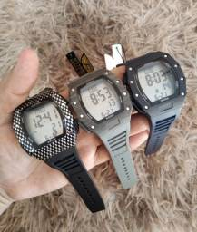 Título do anúncio: relógio masculino prova d'água (xufeng-hublot)