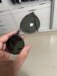 Óculos escuro calvin Klein