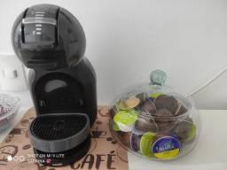 Título do anúncio: Cafeteira portátil Nescafé Arno Dolce Gusto Mini Me automática preta para cápsulas 127V