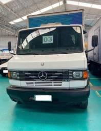Mercedes-Benz 710 Baú