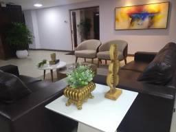 Apartamento no Costa Azul, 3/4 c 2 Suites, 4º Andar, Nascente, Reformado com arquiteto