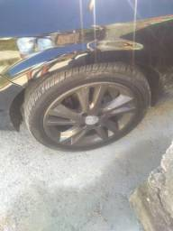 """Rodas 15"""" com pneus 45"""