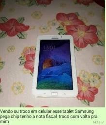 Vendo ou troco por celular do meu interesse esse tablet Samsung pega chip
